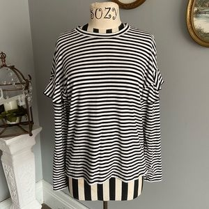 ✨H&M✨ stripped blouse long sleeved